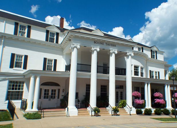 Boone Tavern Hotel And Restaurant Of Berea College
