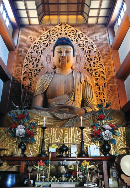 The Tochoji Temple in Fukuoka dates from 806.  The carving of the seated Buddha statue, one of the largest of its kind, began in 1988 and took four years.