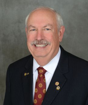 International President Chancellor Bob Corlew