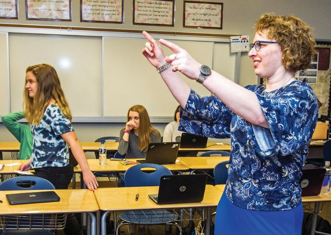 Teacher Kathy Nimmer keeps her students engaged in the classroom. // Photos by Nate Chute