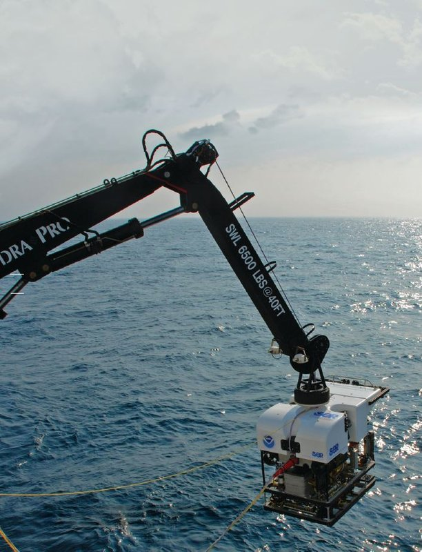 NOAA's Deep Discoverer runs a fully integrated Greensea system including navigation, vehicle control and payload control.