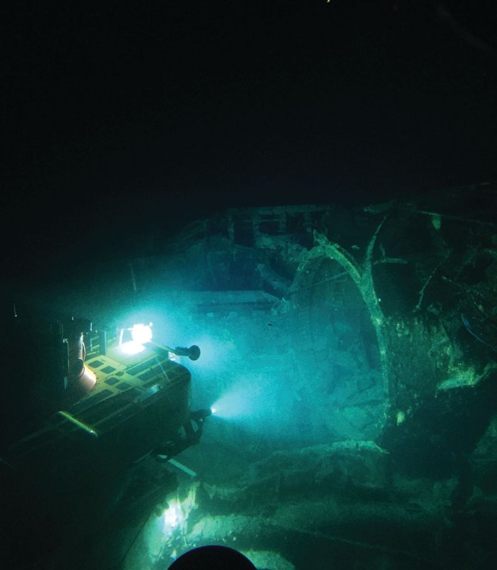 HURL's Pisces submersible investigates wreck off Pacific atoll.