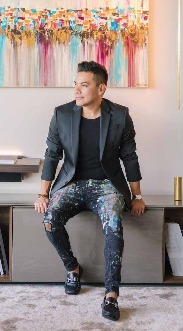 EDGAR MEDINA, PHOTOGRAPHY BY STEPHANIA CAMPOS SHOT ON LOCATION AT 2301 ELLA LEE LANE, LISTED BY NAN & COMPANY PROPERTIES/CHRISTIE'S INTERNATIONAL REAL ESTATE & BEDESIGN