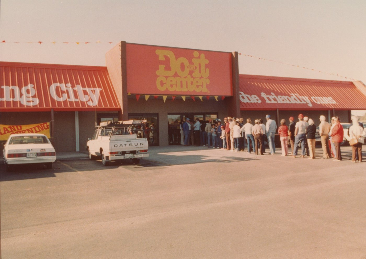 Spring City Do it center in Texas adopted the new Do it center format in 1986.