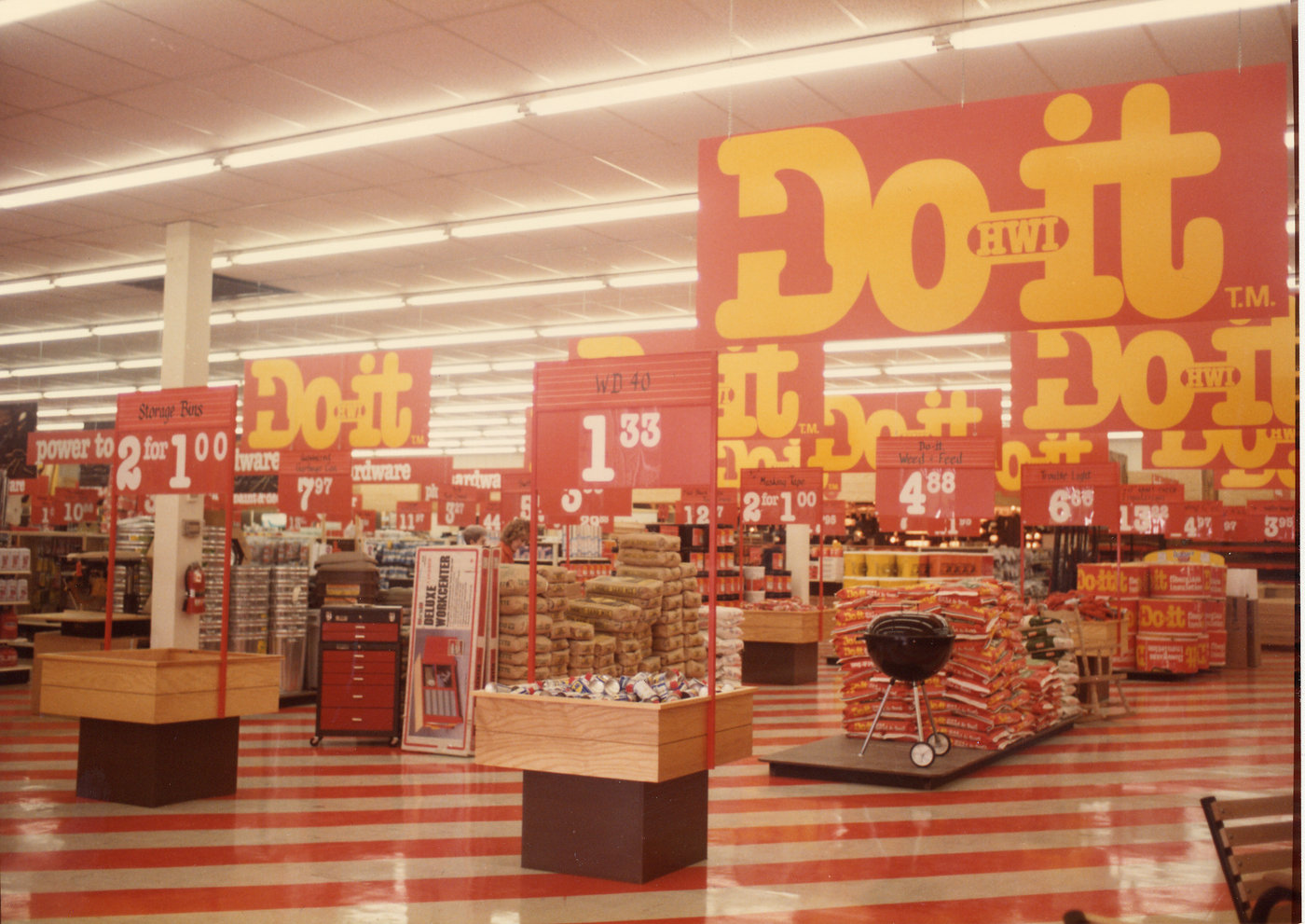 The bright colors of the Do it center store format revolutionized store design in the hardware industry and served as an effective weapon against big-box encroachment.